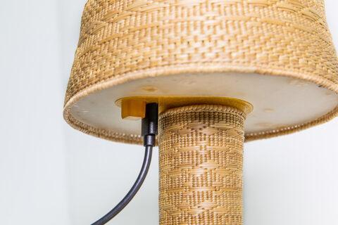 Lampe de table sans fil, Collection Zero San Vero Milis en collaboration avec Annarita Spanu, avec le soutien de la Fondation MEDSEA et de LUMA Arles, © Adrian Deweerdt