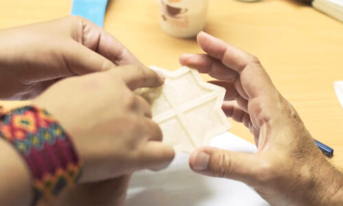 Prototyping a 3D printed tile with algae bio-sourced filament, Travelling school Cairo, September 2018, © Victor Picon