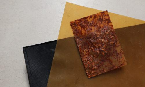 """Films ou """"cuir végétal"""" produits à partir de protéines de tournesol., © Atelier LUMA"""