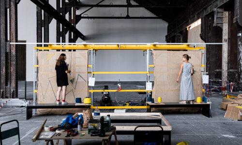 Workshop tuft pour la prpoduction des voiles d'ombrages du projet Tutti Frutti pour le Réfectoire., © Adrian Deweerdt